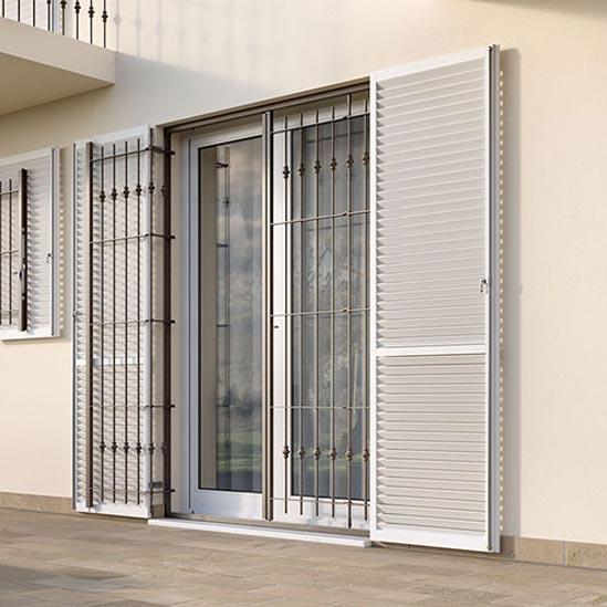 Inferriate inferriata in acciaio per la sicurezza dea y mito for Immagini inferriate per finestre